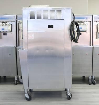 2011 Taylor Soft Serve Ice Cream Machine Model 336 - Image 2
