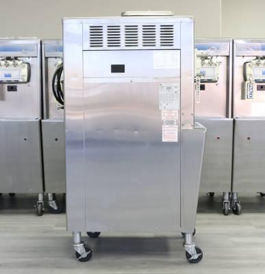 2011 Taylor Soft Serve Ice Cream Machine Model 336 - Image 3