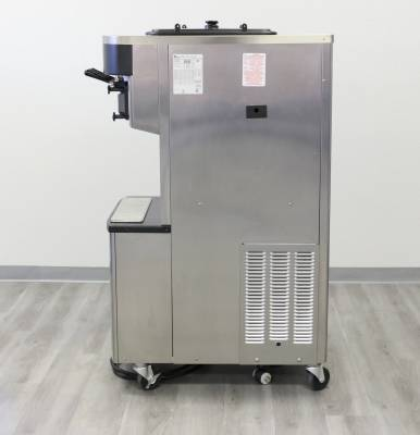 Taylor  - 2018/2019 Taylor C712 Pressurized Machine - OVER $30,000. New! - Image 2