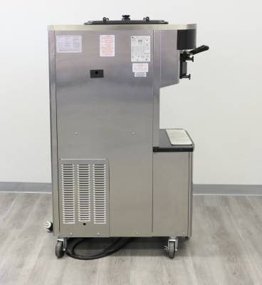 Taylor  - 2018/2019 Taylor C712 Pressurized Machine - OVER $30,000. New! - Image 3